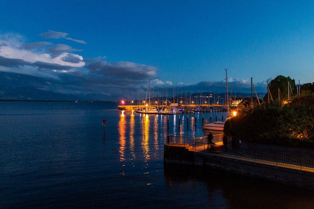 Seglerhafen bei Nacht